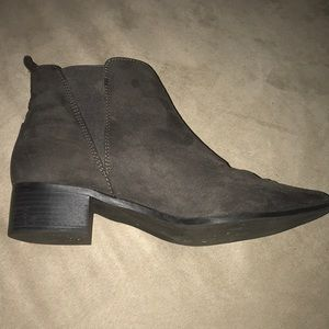 Old Navy Shoes - Old Navy Size 10 gray booties